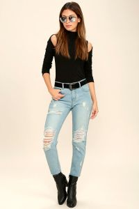 These distressed denim jeans from Lulus are stylish, comfortable and pull any outfit together.
