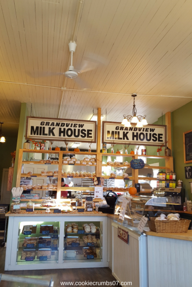 The East Mill Bakeshop in Dubuque, Iowa did not disappoint in the treat department. Read all my thoughts in the latest Weekend Recap over at Cookie Crumbs!