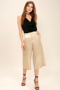 These gold culottes from Lulus are perfect for any special occassion or party you have coming up!