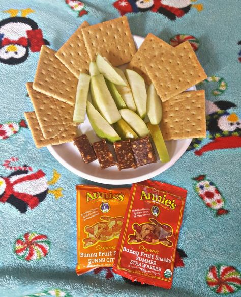 I like to keep snack time as healthy as possible. That's why I love pairing some apples and graham crackers with Larabars and Annie's Organic Fruit Snacks!