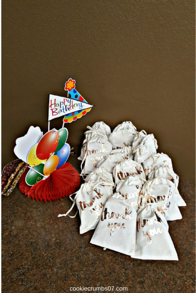 These tips will help ensure that you throw a stress-free and fun kids birthday party. Check them out!